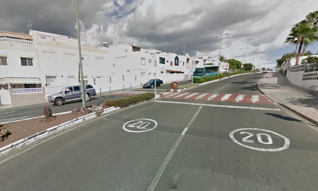 Die 20 km/h Hauptverbindungsfußgängerzone mit über 10 Bremskraftreduzierungseinrichtungen